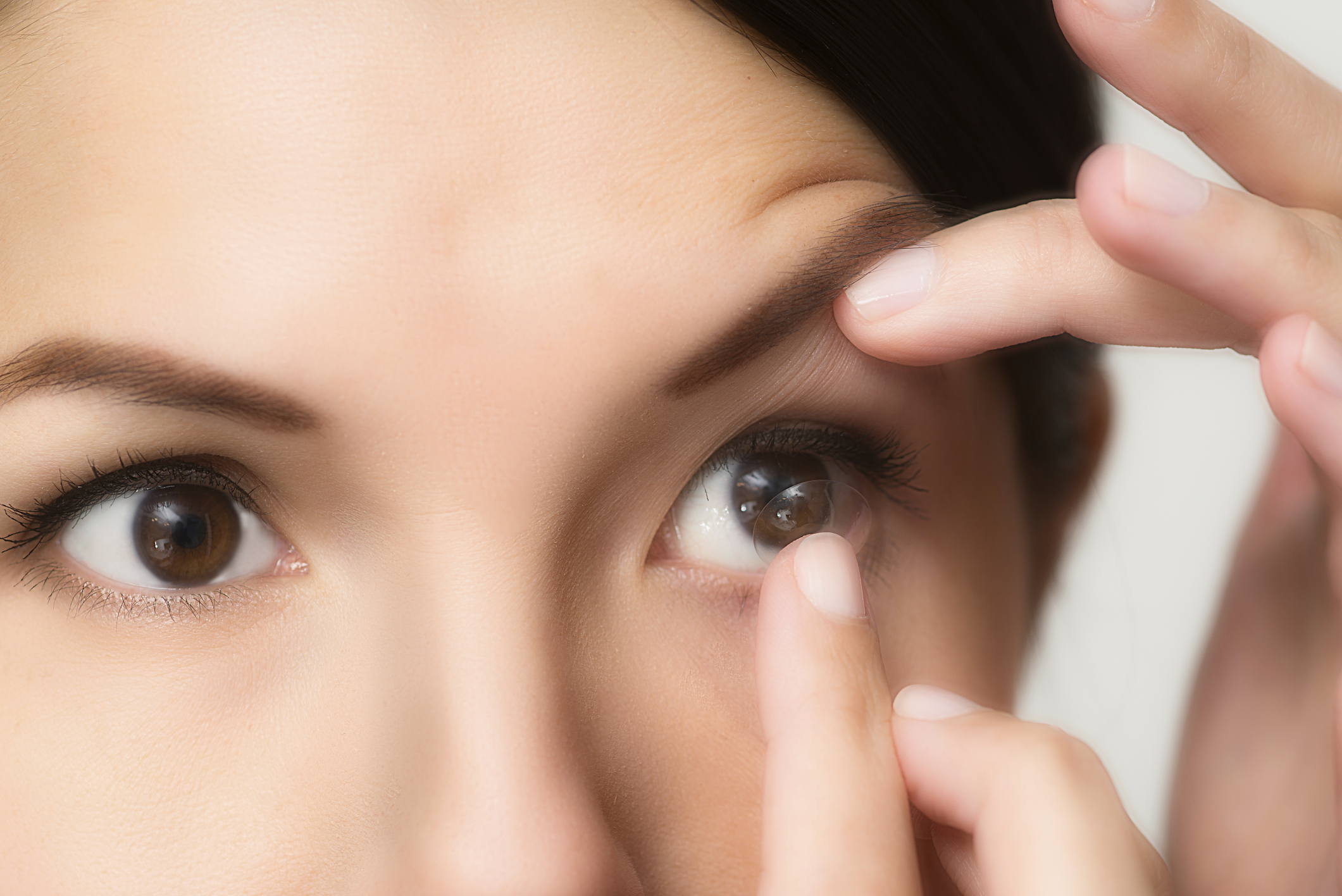 4.-Use-Of-Contact-Lens
