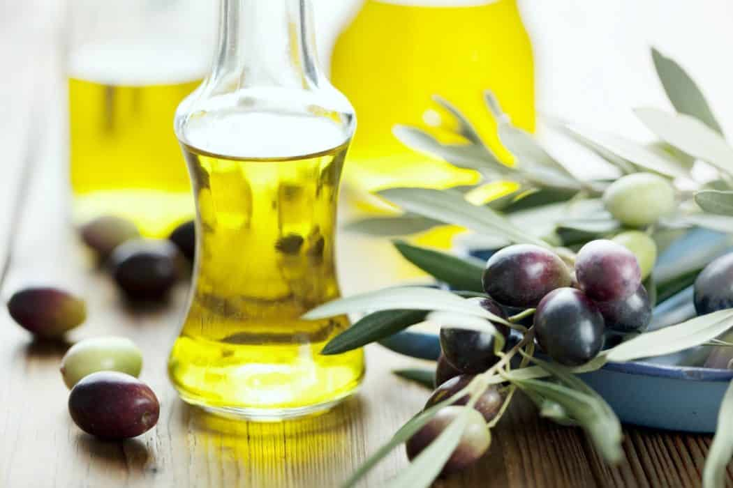 5.-Jojoba-Oil-Massage